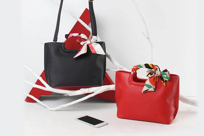 Túi xách thời trang Verchini là một trong những phụ kiện thời trang không thể thiếu của phái đẹp. Chiếc túi mang đến sự tiện lợi cho chị em khi đi làm hay đi chơi. Sản phẩm giám giá 49% còn 299.000 đồng.