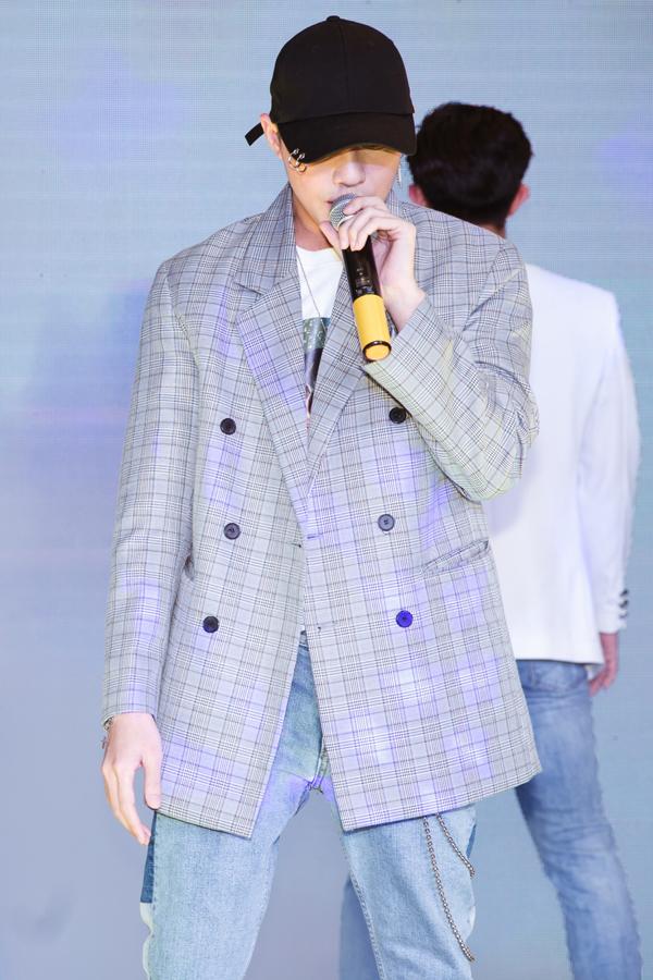 Lộ ảnh ca sĩ Noo Phước Thịnh tiều tụy sau bị đòi bồi thường gần 1 tỷ vì tác quyền