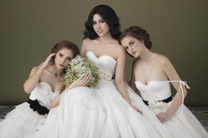 Hoa khôi Tỏa sáng 2014 mời hai người mẫu Nga kết hợp thực hiện bộ ảnh giới thiệu sưu tập Những nàng thơ mẫu đơn.