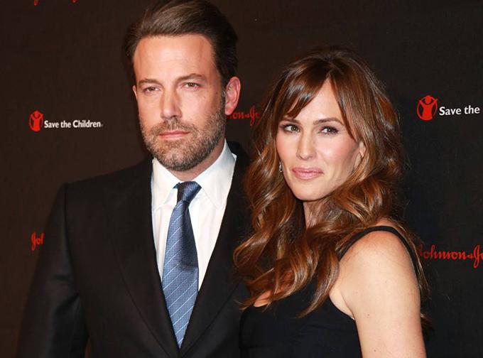 Ben Affleck và Jennifer Garner cuối cùng đã chính thức ly hôn.