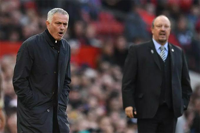 Mourinho cùng MU bước vào trận tiếp đón Newcastle United ở vòng 8 Premier League với tâm trạng nặng nền khi họ vừa trải qua chuỗi 4 trận không thắng trên các đấu trường. Nhà cầm quân người Bồ Đào Nha có nguy cơ lớn bị sa thải nếu MU không giành chiến thắng ở trận đấu này.