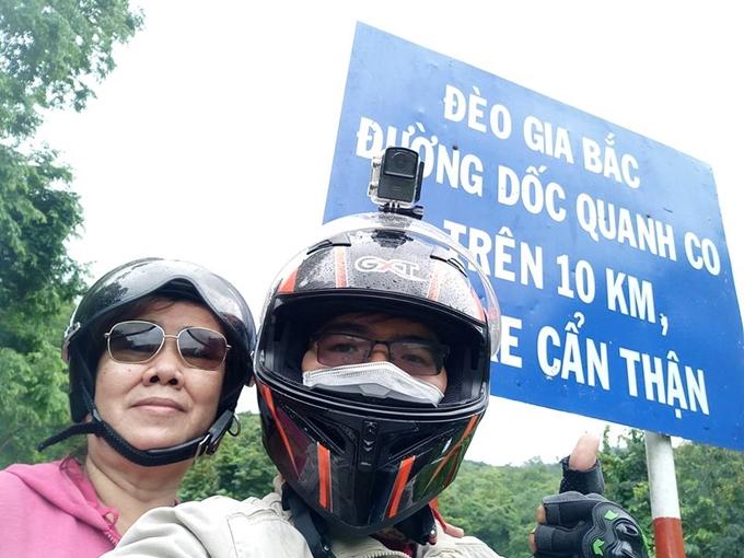 Chàng trai Sài Gòn cùng mẹ phượt xe máy khắp Việt Nam