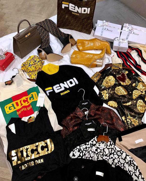Kỳ Duyên khoe loặt quần áo và phụ kiện hàng hiệu mới sắm để chưng diện tại Pháp.