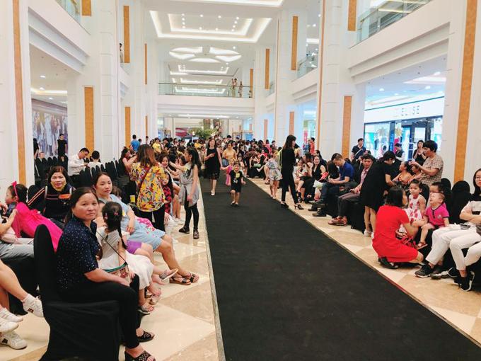 Lần đầu tiên tổ chức casting người mẫu nhí nhưng sự kiện thu hút đông đảo phụ huynh đưa con em tới tham dự. Đây cũng là một trong những hoạt động nhằm khẳng định thông điệp thời trang của IVY moda: Trẻ em cũng cần mặc đẹp.