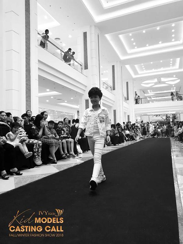 Đại diệIVY moda, bà Lê Thị Ngọc Linh - Phó tổng giám đốc IVY moda cho biết: Trở lại với show diễn Thu Đông 2018 - Tomorrowland, không chỉ giới thiệu các mẫu thiết kế mới dành cho nữ giới, mà IVY moda sẽ tiếp tục trình làng các sản phẩm dành cho phái mạnh. Đặc biệt, dòng sản phẩm IVY Kids cũng lần đầu tiên được giới thiệu đến công chúng và khách hàng như một lời tuyên bố rằng IVY moda là thương hiệu thời trang lifestyle tập trung đến xu hướng, xoá nhoà hình ảnh nhãn hiệu công sở mờ nhạt. Đặc biệt, bộ sưu tập Thu đông 2018, IVY moda sẽ mang đến cho các tín đồ thời trang một sự bất ngờ khi hợp tác với một nhà thiết kế nổi tiếng trên thế giới. Đây cũng là bước đệm để IVY moda bắt đầu công cuộc chinh chiến trên thị trường thời trang quốc tế.