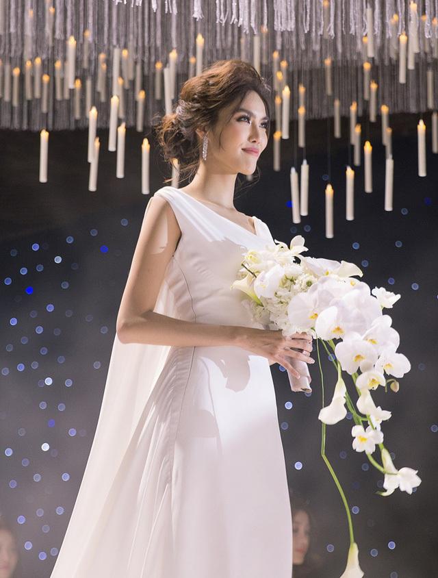 Sao Việt chọn váy cưới minimalist vào nửa cuối năm