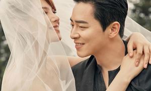 Tài tử 'The King 2 Hearts' cưới ca sĩ hát nhạc phim 'Hậu duệ mặt trời'