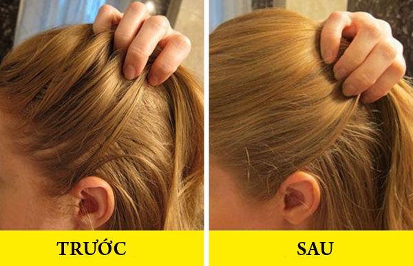 Khi tóc bị bết dầu do thời tiết hay vận động chảy nhiều mồ hôi, bạn có thể không cần gội đầu lại ngay mà dùng một chút phấn rôm rắc lên da đầu, thoa nhẹ nhàng để thấm hút hết dầu thừa.