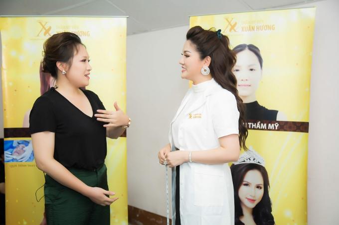Hoa hậu Xuân Hương tư vấn về công nghệ làm đẹp khi TMV Xuân Hương bảo trợ làm đẹp tại The Voice 2018.
