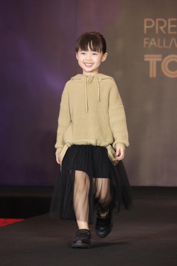Đây là lần đầu tiên thương hiệu cho ra đời dòng sản phẩm Kids - thời trang dành cho trẻ em từ 4 đến 12 tuổi.