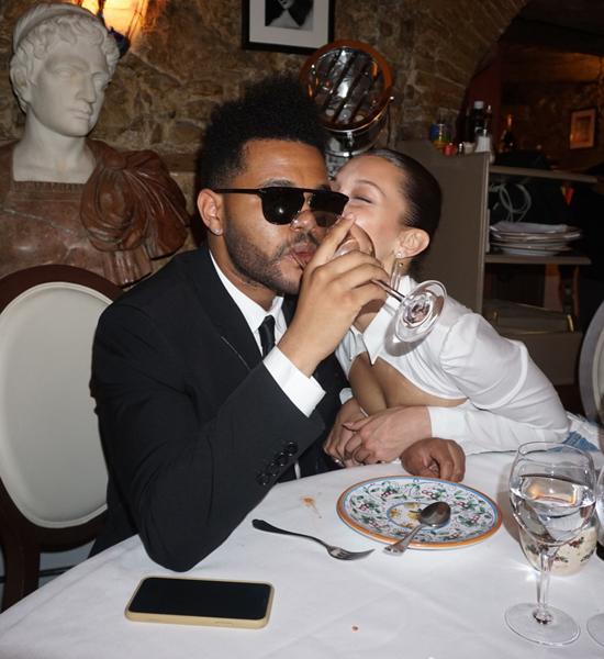 The Weeknd khiến các fan không khỏi ngỡ ngàng vì từ khi hẹn hò đến nay đây là lần đầu tiên nam ca sĩ người Canada đang tải ảnh với Bella Hadid, trong đó có rất nhiều ảnh thân mật.