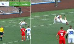 Cầu thủ đá penalty siêu dị như trong truyện tranh