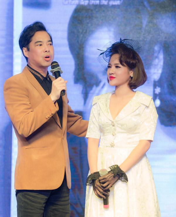 Trong ngày ra mắt album, ca sĩ Ngọc Sơn bay từ TP HCM ra Hà Nội để chúc mừng học trò. Anh nhận xét, Nhã Thanh có giọng hát hay, kỹ thuật tốtvới xuất phát điểm là ca sĩ opera. Khi chuyển hưởng sang nhạc Bolero, cô đã có sự lột xác khiến anh ngạc nhiên.