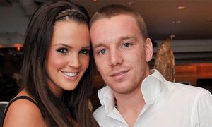 Cựu hoa hậu Anh kiện chồng cũ, đòi tiền trợ cấp nuôi con