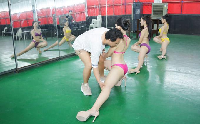 Á hậu Phương Khánh mặc bikini khi tập catwalk thi Miss Earth - 4