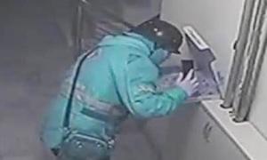 Shipper đối mặt 15 năm tù vì khạc nhổ vào pizza của khách