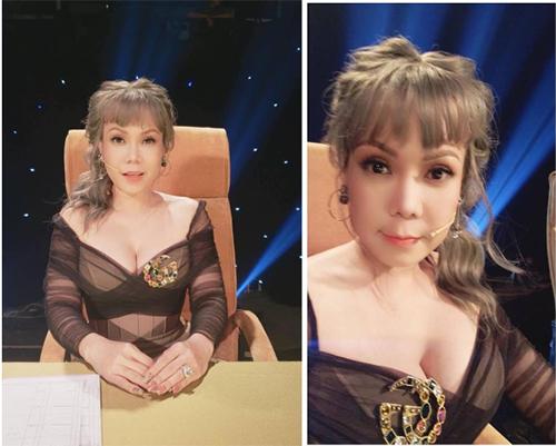 Việt Hương cưa sừng làm nghé khi làm  giám khảo một gameshow truyền hình. Cô nhuộm tóc sáng màu, diện váy khoét cổ sâu táo bạo.