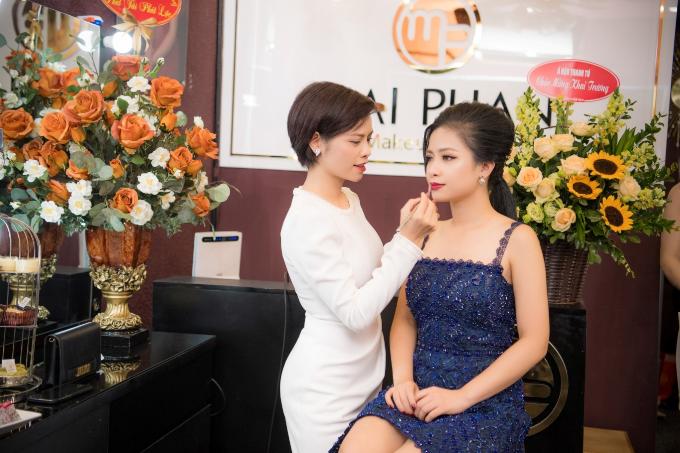 Hoa hậu Ngọc Hân, Á hậu Hoàng Anh dự khai trương MaiPhan Makeup Artist - 6