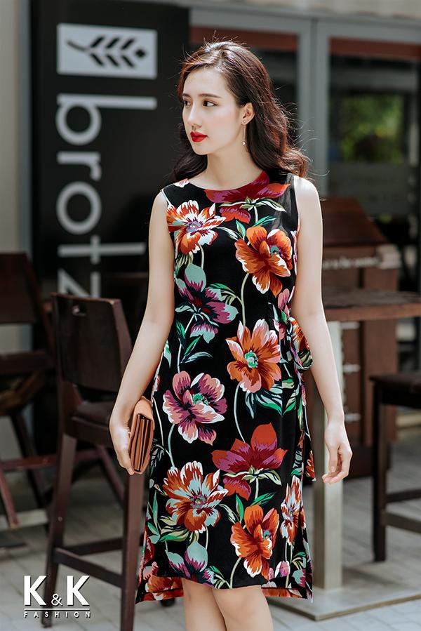 Đầm họa tiết hoa thắt nơ eo KK75-08; Giá gốc: 420.000 VND off 50% - Giá sale: 210.000 VND