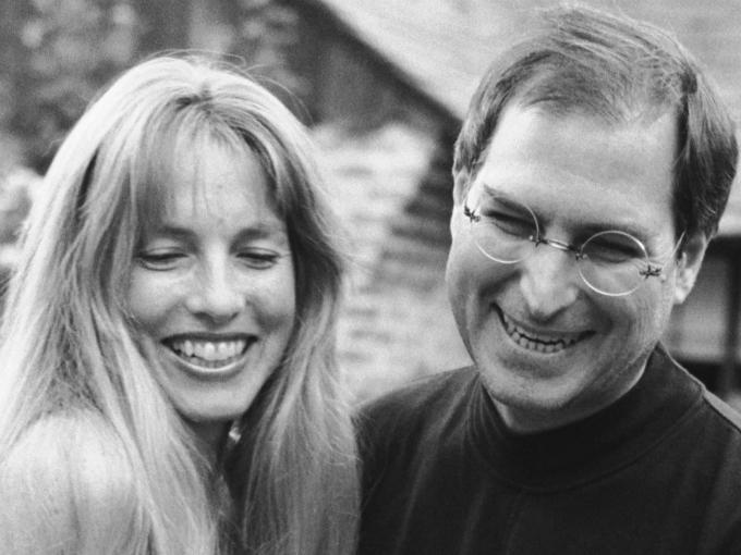 Lauren Powell và Steve Jobs kết hôn năm 1991, có với nhau ba con, bên cạnh con riêng có tên Lisa của Steve. Ảnh:Business Insider.