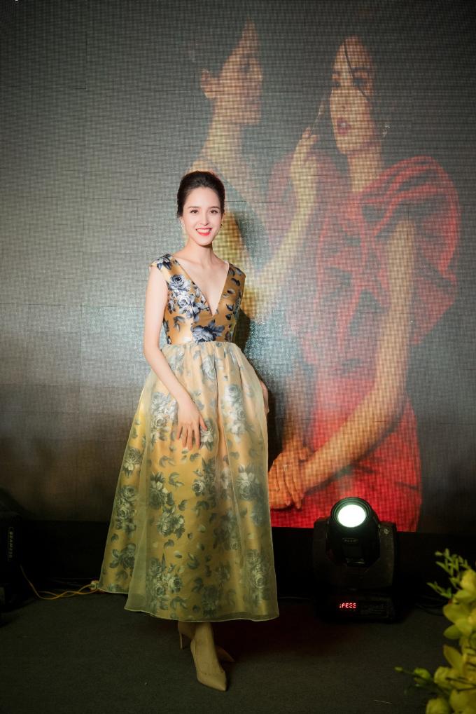 Hoa hậu Ngọc Hân, Á hậu Hoàng Anh dự khai trương MaiPhan Makeup Artist - 3