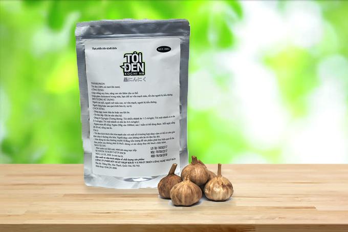 Tỏi đen Kochi nhiều nhánh 180g: giảm 12% còn 184.000 đồng.Tỏi có ruột màu đen, vị ngọt, không cay, mùi dễ chịu, dễ ăn với người lớn và trẻ em. Sử dụng tỏi đen Kochi thường xuyên giúp tăng cường sức khỏe, bảo vệ cơ thể.