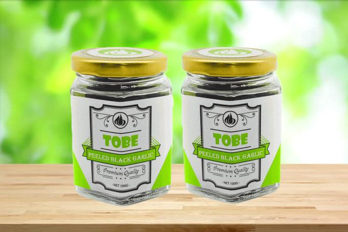 Tỏi đen cô đơn Tobe comb 2 hũ 100 gram (bóc vỏ): giảm giá 15% còn 299.000 đồng.Sản phẩm được lên men tự nhiên từ tỏi tươi trong một khoảng thời gian nhất định. Quá trình lên men phải tuân thủ tiêu chuẩn khắt khe về nhiệt độ, độ ẩm, ánh sáng& làm thay đổi mùi hăng, vị cay của tỏi trắng, gia tăng giá trị dinh dưỡng, hiệu quả trong phòng ngừa và hỗ trợ điều trị bệnh tật.