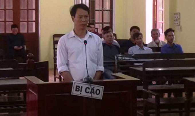 Bị cáo tại phiên xử sơ thẩm chiều 10/10.