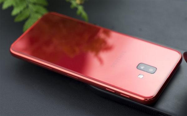 Ba smartphone có camera kép, nhiều màu sắc giá 5 triệu đồng