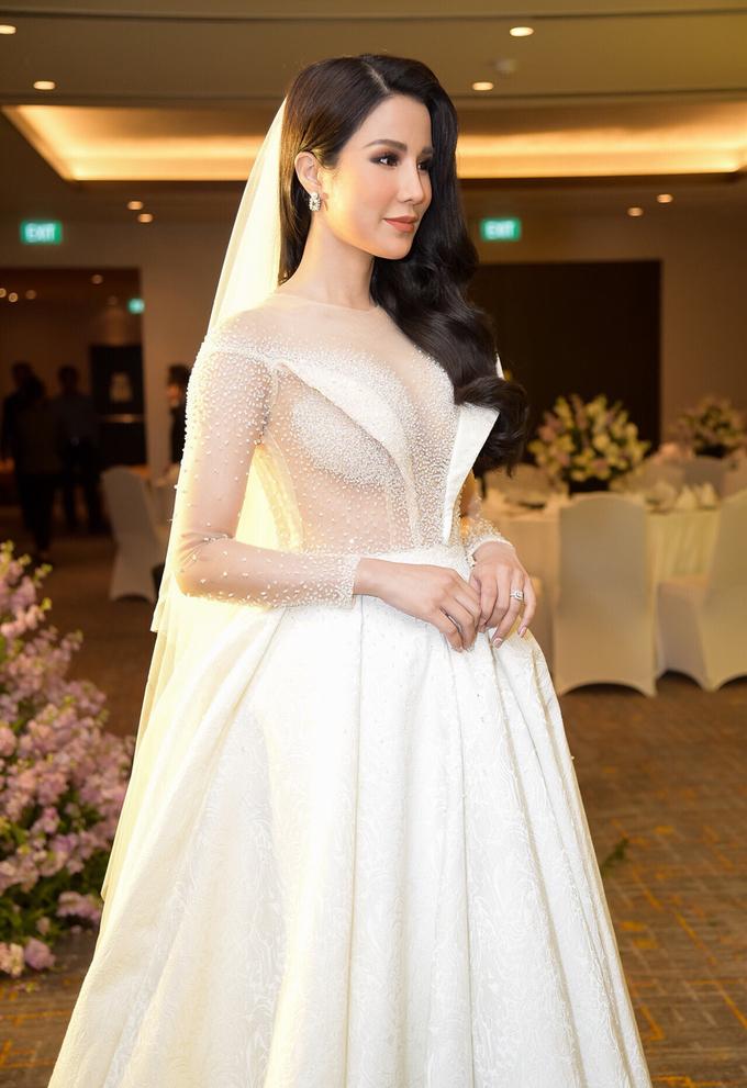 Sao Việt chuộng trang điểm cưới tự nhiên cho năm 2018