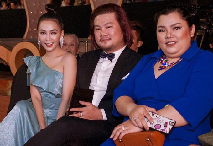 Mỹ Ngọc hội ngộ đạo diễn Thái Kim Tùng (giữa) và diễn viên Tuyền Mập (ngoài cùng bên phải).