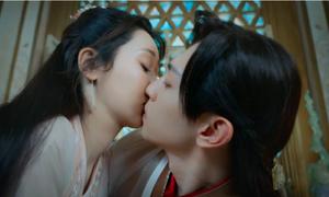 Bí mật sau các nụ hôn trên phim