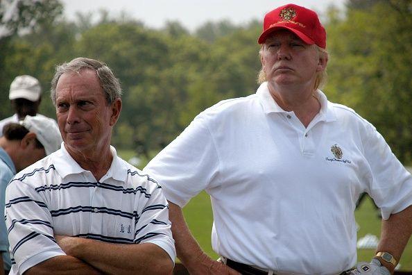 Doanh nhân Donald Trump đi đánh golf với thị trưởng thành phố mình năm 2008. Ảnh:Business Insider.