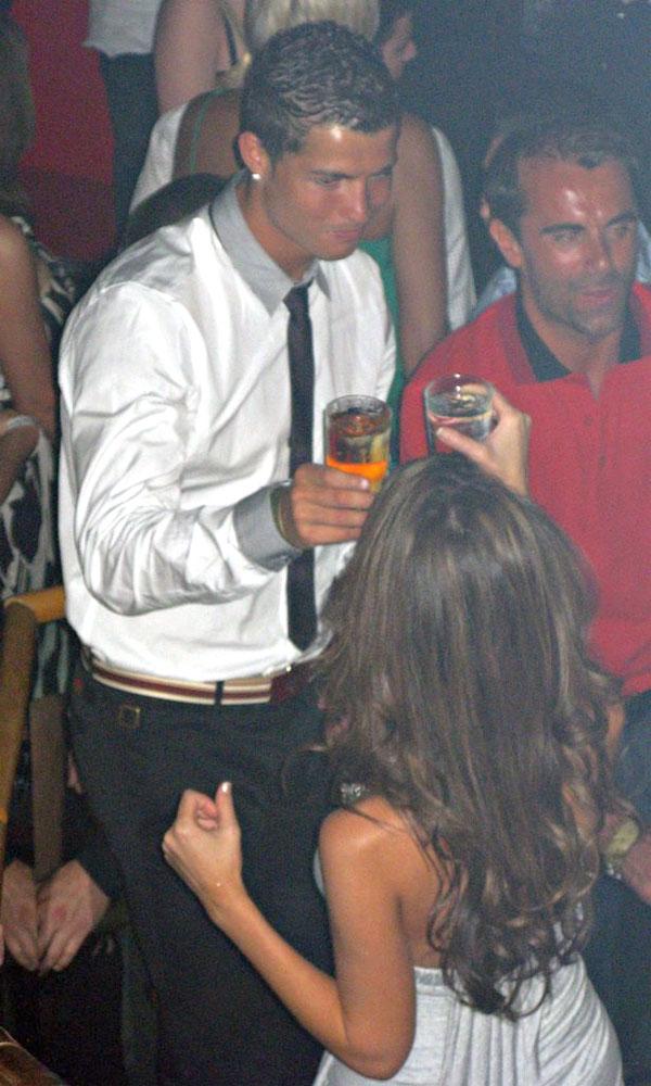 Real Madrid bị nghi chi tiền để C. Ronaldo bịt miệng Kathryn