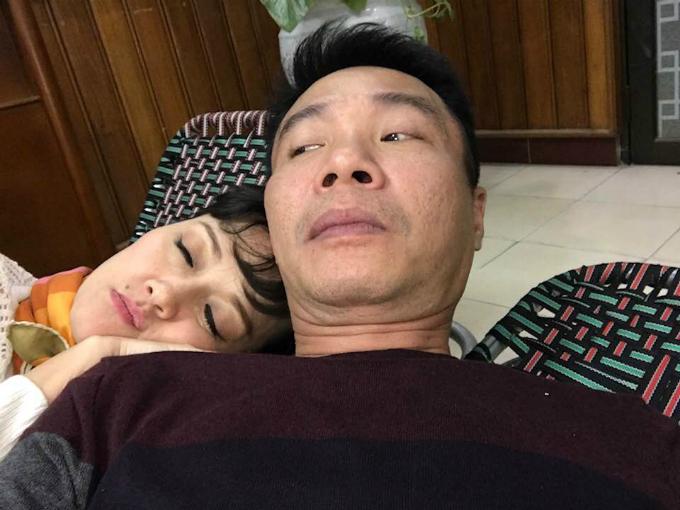 Công Lý đăng ảnh dìm hàng Vân Dung trong ngày sinh nhật của nữ diễn viên hài: Xin lỗi nhé! Định ỉm cái ảnh này đi nhưng vì em thêm tuổi mới nên đành phải công khai thôi.