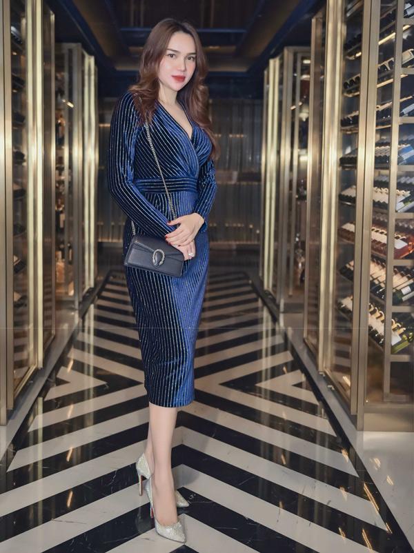 Hoa hậu Đông Nam Á Diệu Hân theo đuổi phong cách thanh lịch.