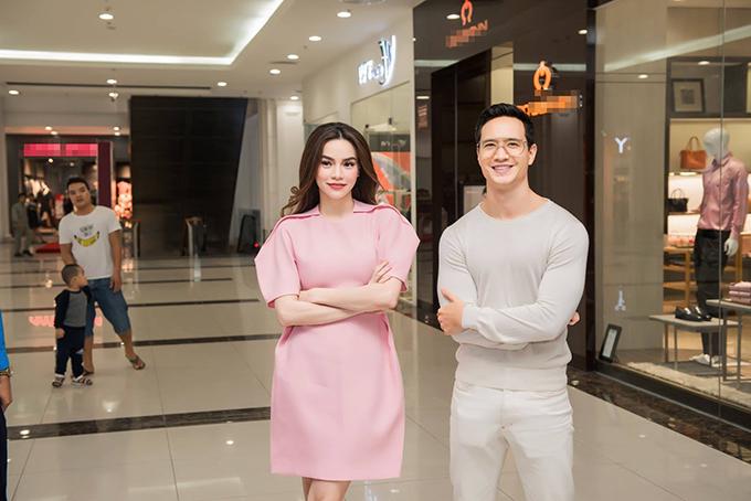 Hồ Ngọc Hà hạnh phúc khi đượcngười tình Kim Lý tháp tùng đi dựsự kiện ở Phú Thọ.
