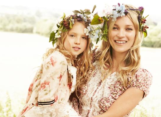 Lily sinh năm 2002, là con gái duy nhất của Kate Moss vớitổng biên tập tạp chíDazed & Confused,Jefferson Hack. Hai năm sau khi Lily chào đời, Kate vàJefferson chia tay nhưng giữ mối quan hệ bạn bè thân tình và cùng chăm sóc con gái.