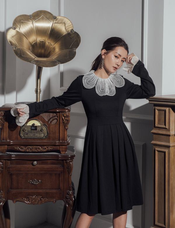 Các trang phục của Quỳnh Chi đều tối giản, mang tính ứng dụng cao, dễ mặc với mọi thân hình.