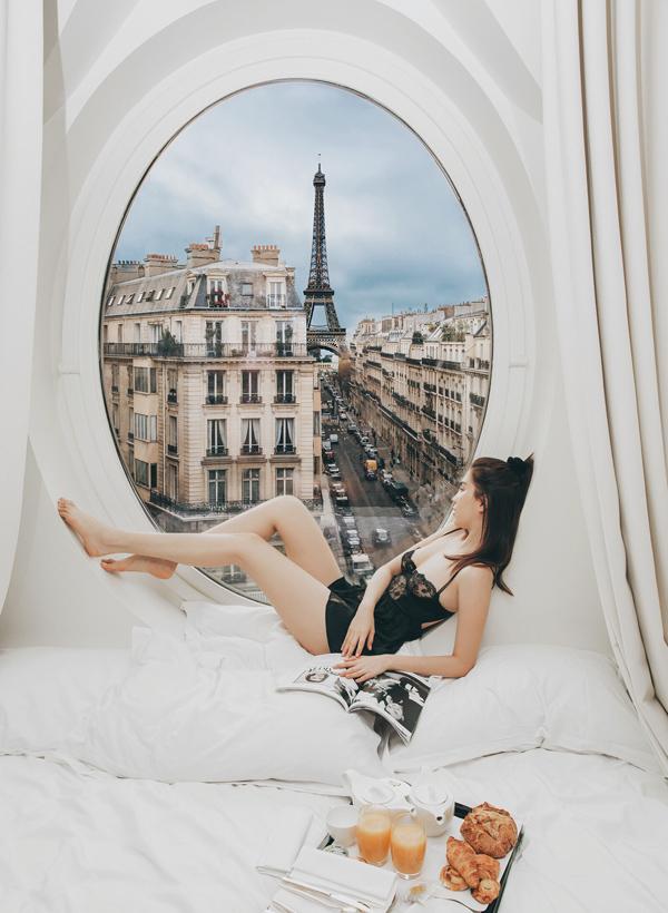 Người đẹp luôn tự thưởng cho mình những kỳ nghỉ sang chảnh, xa xỉ ở châu Âu sau những ngày làm việc chăm chỉ.