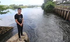 Nam thanh niên lao mình xuống dòng nước xoáy cứu hai mẹ con
