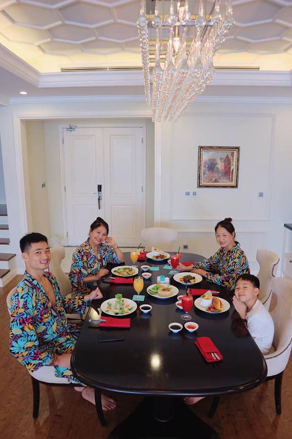 Cả gia đình cô đã có khoảng thời gian thư giãn bên nhau.
