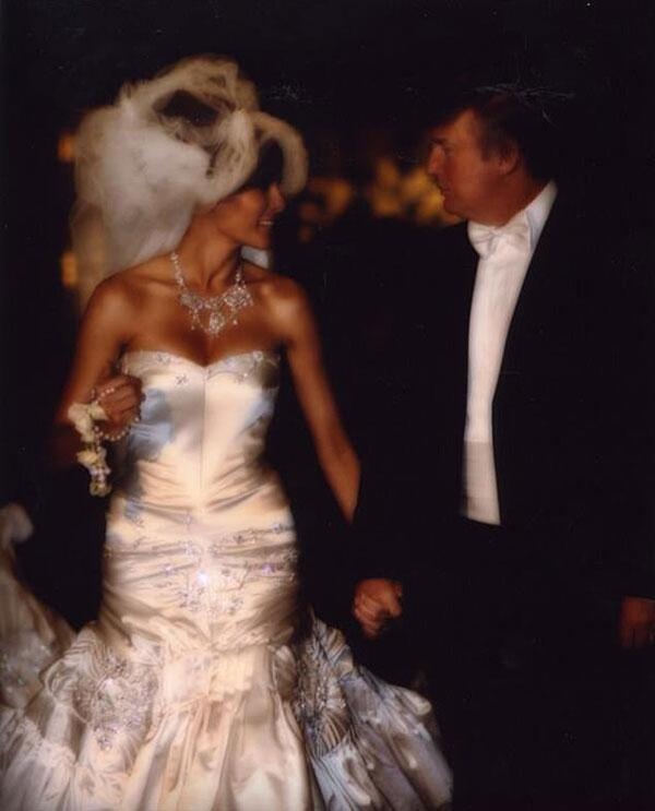 Bà Melania kết hôn với ông Trump vào năm 2005. Ảnh: Twitter.