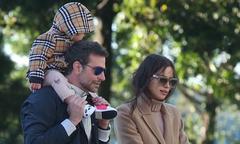 Irina Shayk và Bradley Cooper vui vẻ sánh đôi giữa tin đồn trục trặc