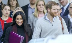 Fan đưa tin Meghan mang bầu trước khi hoàng gia xác nhận