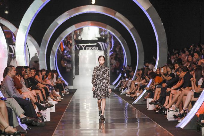 Sự du nhập của phong cách streetstyle được tận dụng triệt để mang đến sự cá tính trong trang phục nhí, năng động đúng lứa tuổi mà vẫn bắt nhịp những xu hướng mới nhất.