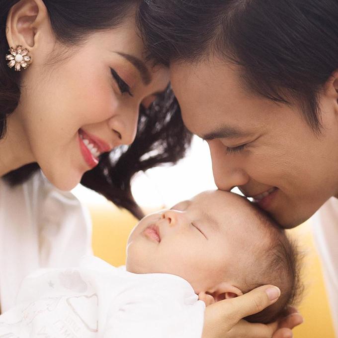 Con gái đầu lòng của Tú Vi và Văn Anh chào đời tháng 4/2018.
