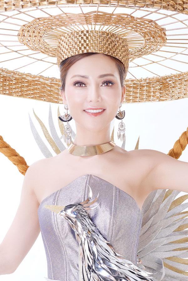 Đỗ Thị Thảo khoe trang phục dân tộc dự thi Miss Lumiere International Word 2018