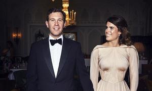 Váy cưới thứ hai của Eugenie trái quy tắc màu sắc hoàng gia