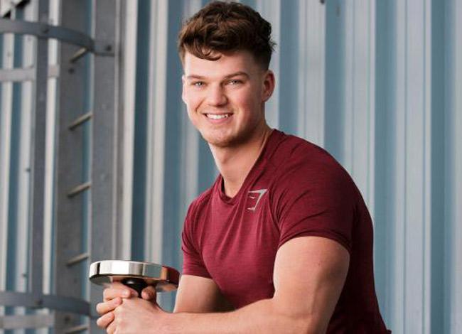 Ben Francis, 27 tuổi, ông chủ của hãng thời trang Gymshark bắt đầu kinh doanh từ năm 19 tuổi.